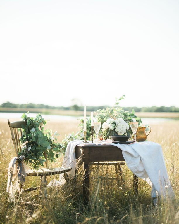 southern-equestrian-wedding-tableset